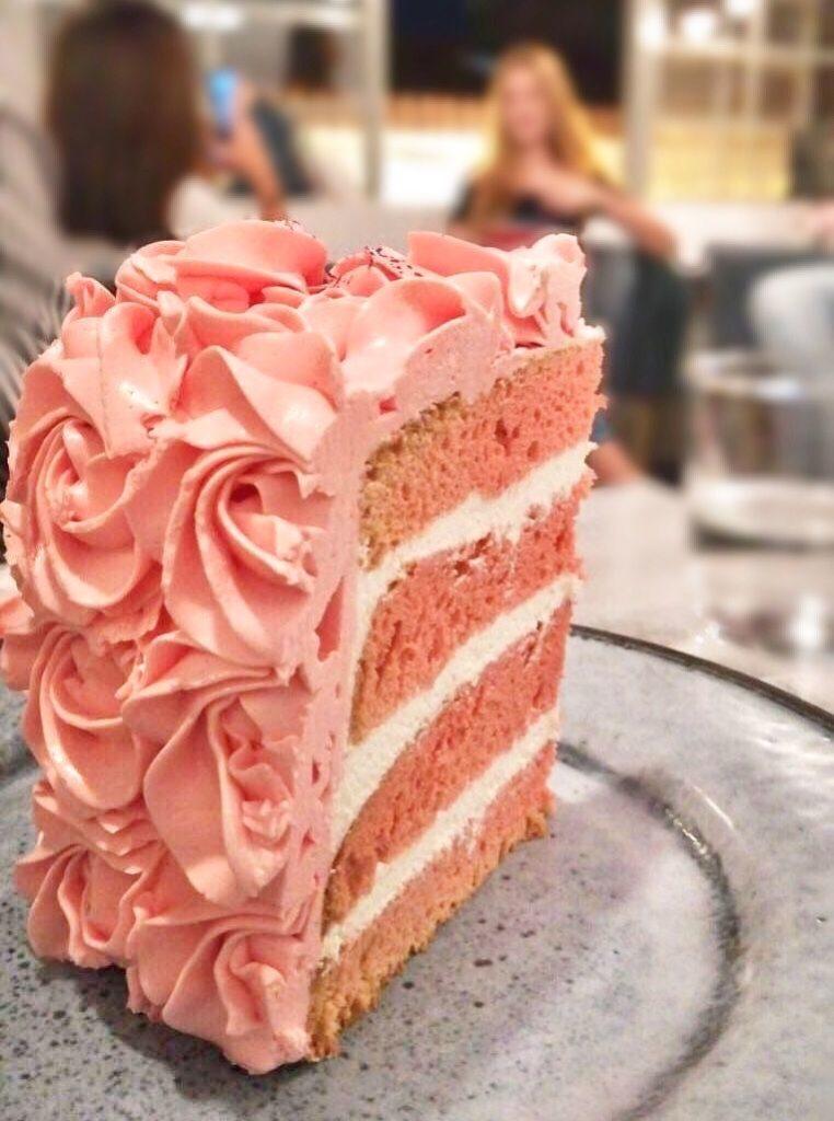 ellyz-pink-velvet-cake