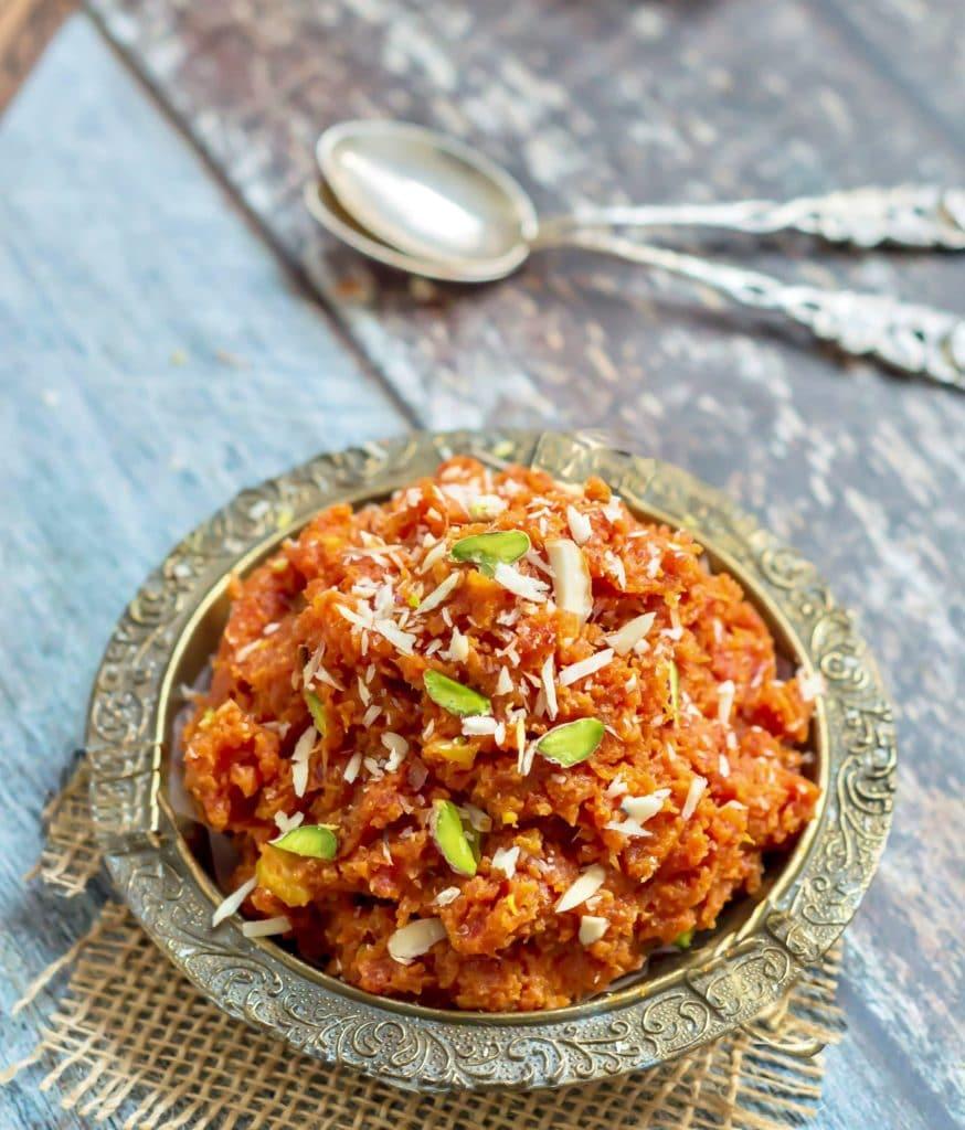 indian-food-eat-taste-explore