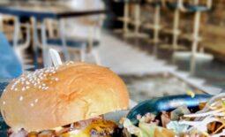 Henhouse: Για λαχταριστά burgers, και όχι μόνο!