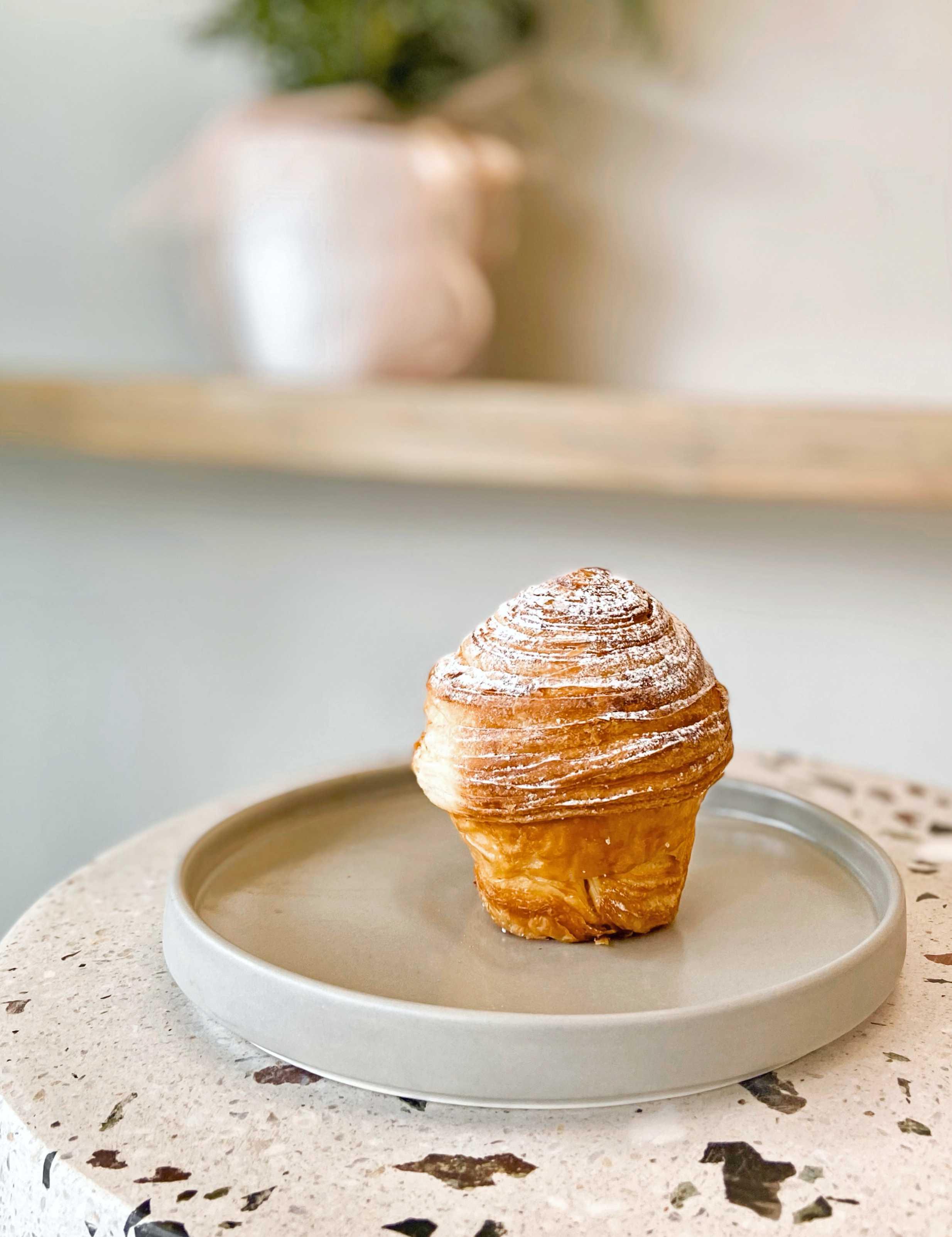 overoll-croissanterie-athina-krouasan